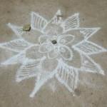 <b>Drawing Meditation - Kolam</b>