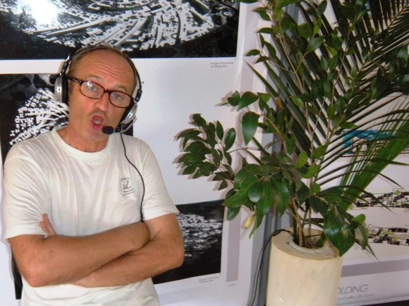 Photographer:Chloe | Notre interprète local en direct différé du séminaire des rêveurs urbanistes