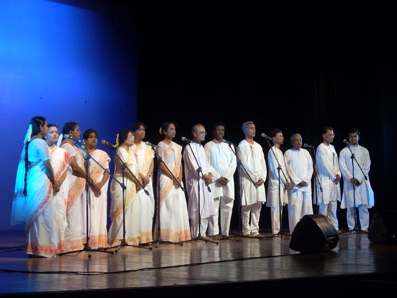 Photographer:Andrea | Teachers and students of the Sri Aurobindo International Centre of Education - Pondicherry