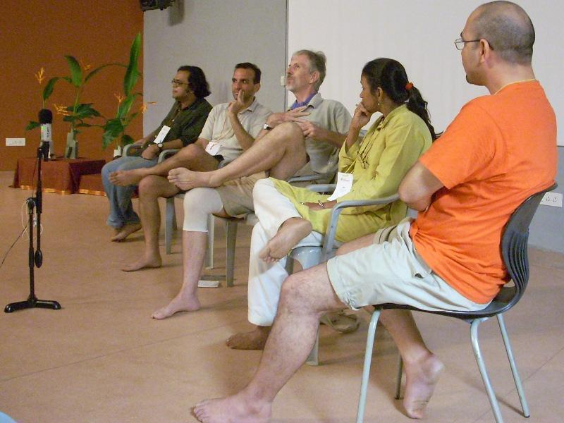 Photographer:Andrea   From left : Durganand, Dave, Alan, Latha and Sumant