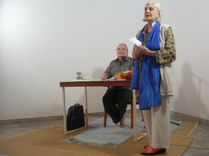 Photographer:Andrea   Shraddavan introducing Georges Van Vrekhem