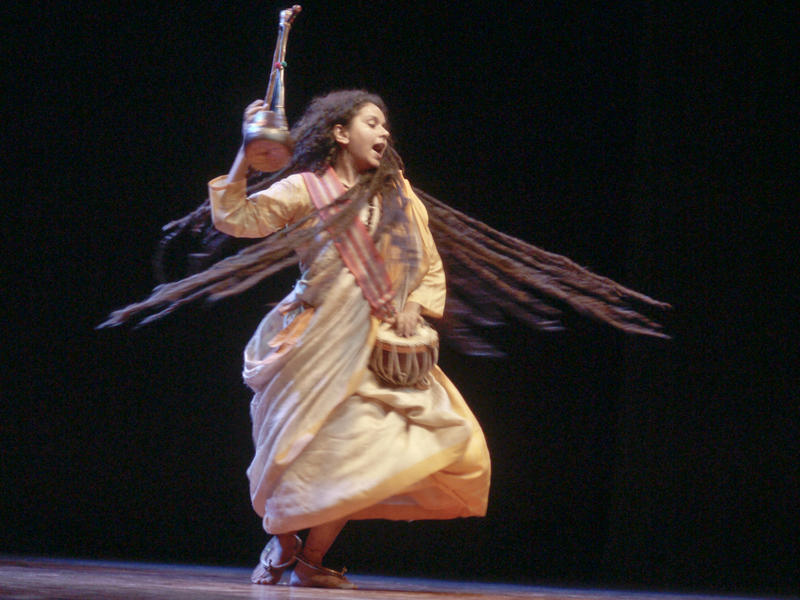 Photographer:Giorgio   Pavathry Baul dancing and singing Bengali songs