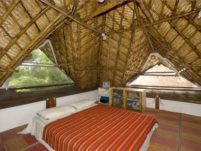 Photographer:Check out http://thelivinghouse.info/index.html | Bedroom on the upper floor