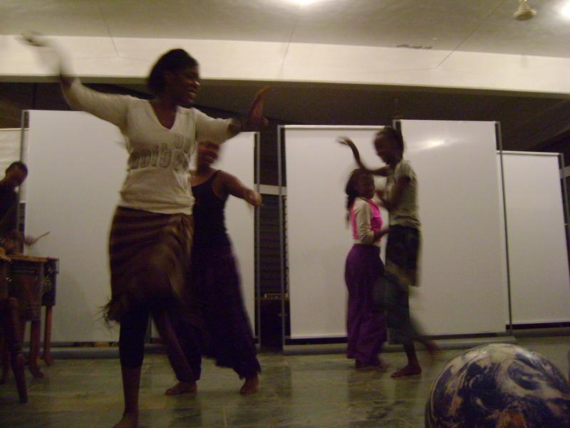 Photographer:Roman, Miriam | Traditional Rwandan Dance