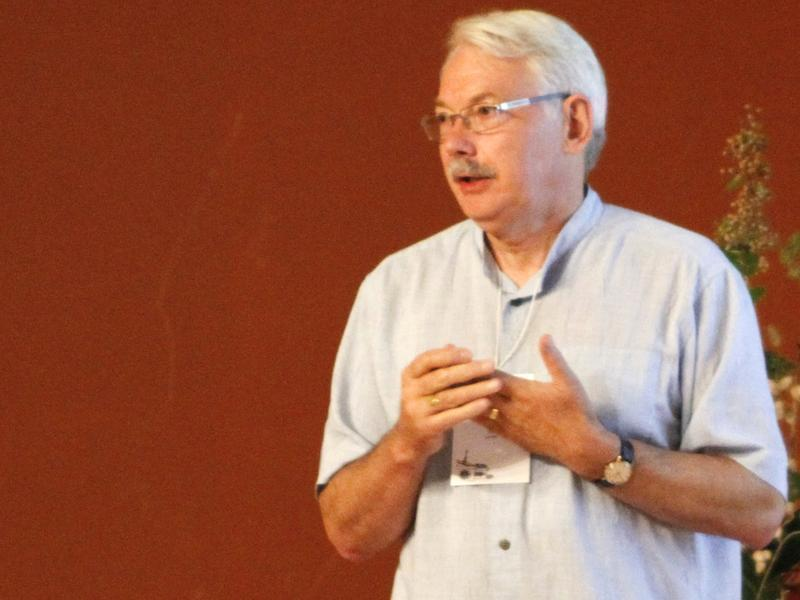 Photographer:Vimal Borajraj (Auroville Consulting)   The opening keynote by Peter Head (Arup)