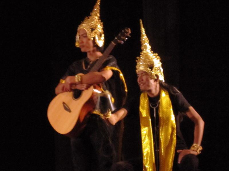 Photographer:Puja | Moradokmai theatre troupe of Thailand