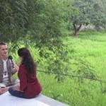 Puja in a 'plein air' interview with Aurelio