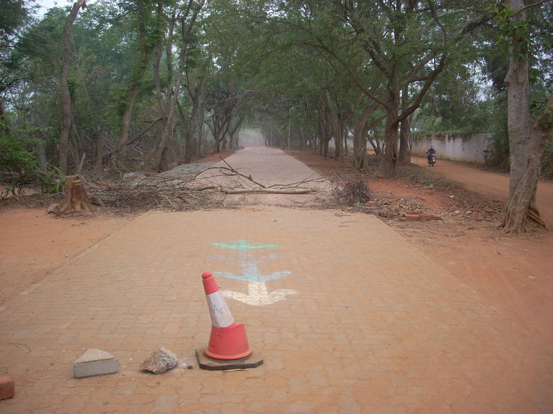 Photographer:Andrea | Auroville road building