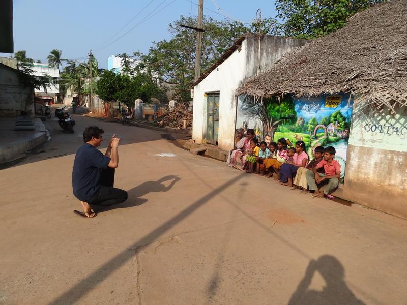 Photographer:Jorren   The kids and the wallpainting