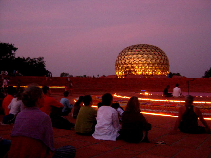 Photographer:Maria | Audience with Matrimandir in the backside of the stage