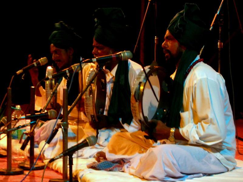 Photographer:Maria   The Sufi Abdul Ghani Trio on stage at Edayanchavadi sports ground