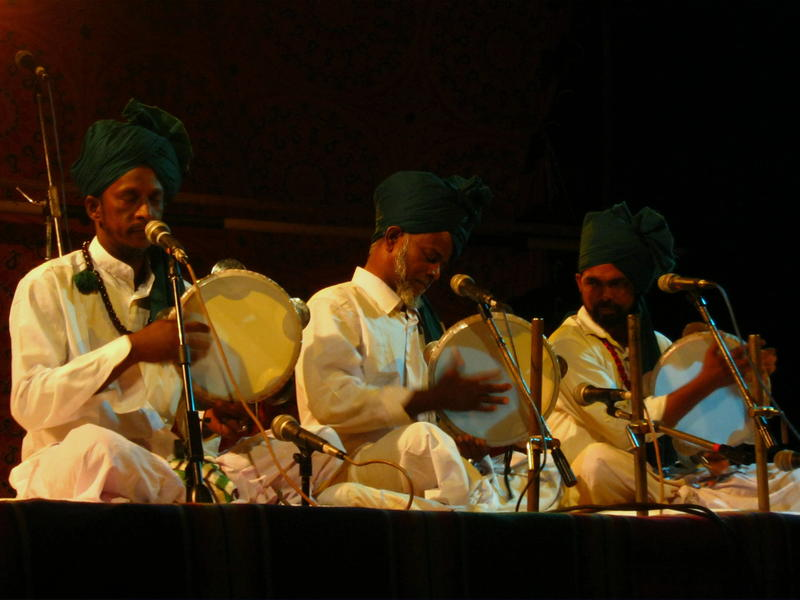 Photographer:Giuseppe   All the musicians were singing and playing Rabahna percussion