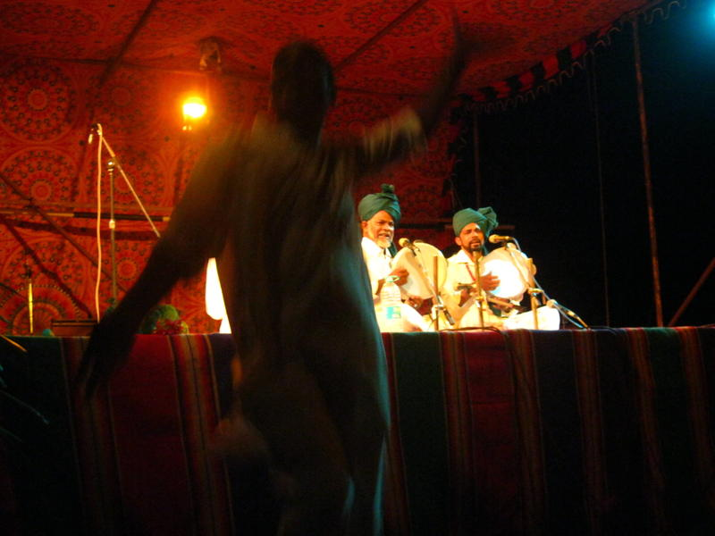 Photographer:Maria   Abdul Ghani Trio coming from Nagore Dargah