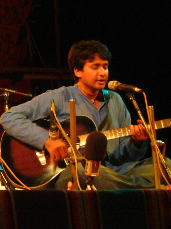 Photographer:Maria | Vedanth Bharadwaj on guitar