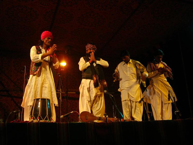 Photographer:Maria   Mooralala Marwada over concert