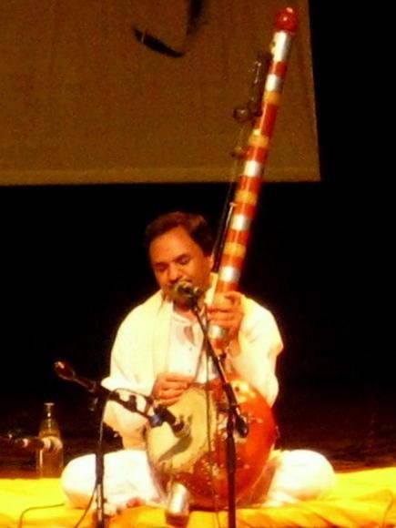 Photographer:Maria   Hemant Chauhan playing his strings instrument kamayacha