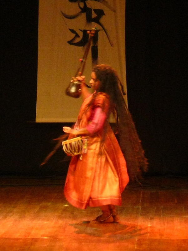 Photographer:Maria | Dancing Parvathy plays with drum, anklets with bells and Ektara, one-stringed