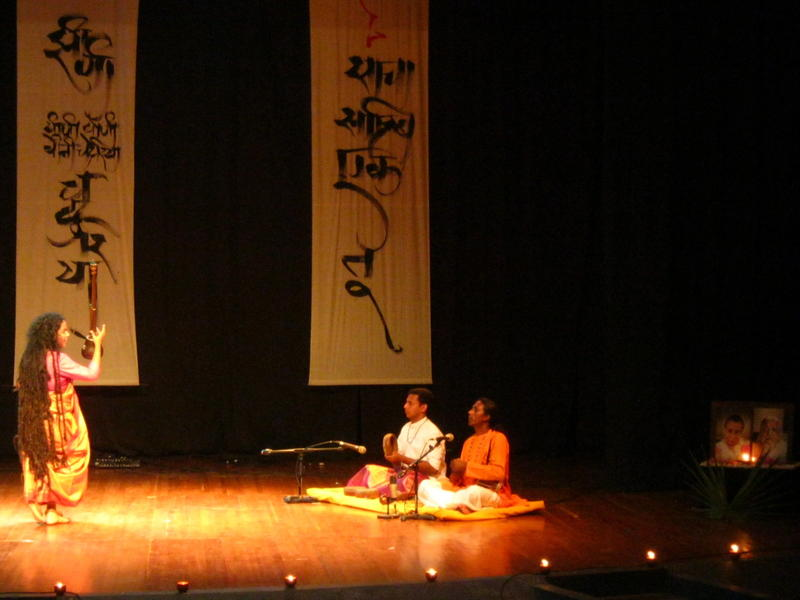 Photographer:Maria | Parvathy Baul and the Drumers