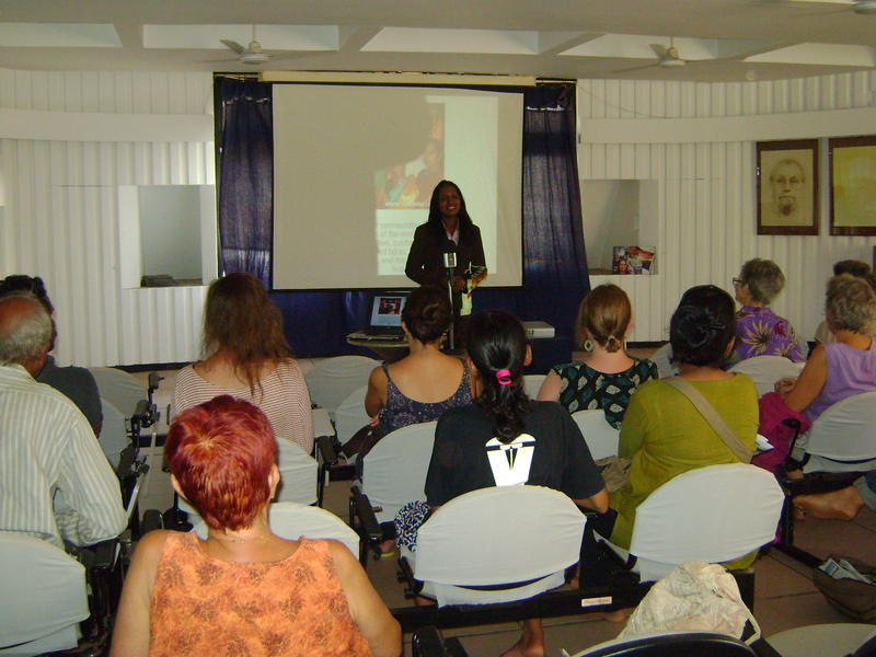 Photographer:Deenaz | Kalki's presentation in Town Hall