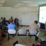 Gilles présente son plan d'organisation de l'eau à Auroville