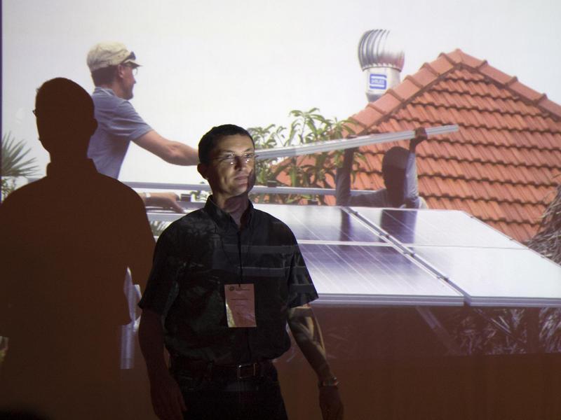 Photographer:Vimal | Solar panels maintaince