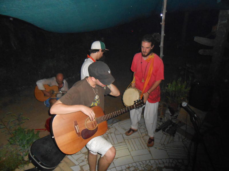Photographer:Andi | Live jam by Om collective