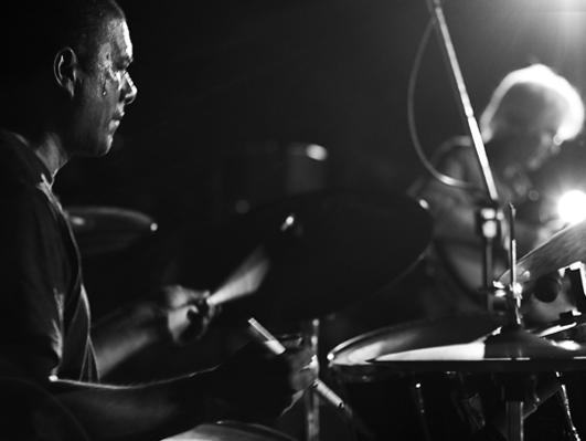 Photographer:Edoardo   Suresh on drums