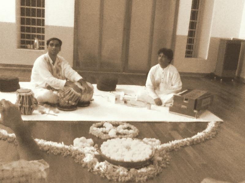 Photographer:Andi | Shri Baloo Dutta was accompanied on tabla by Shri Biplav Burman.