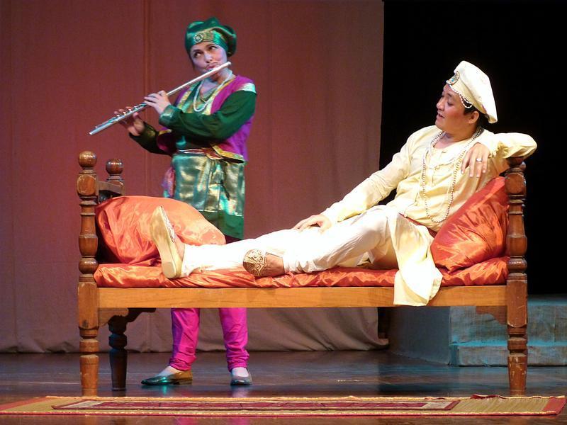 Photographer:Tatjana Blank | From left: Saraswati and Ruslan