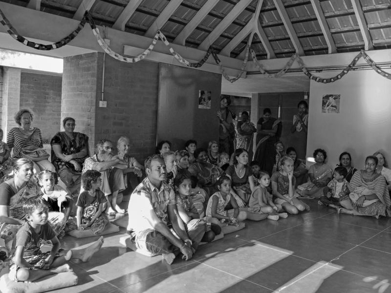 Photographer:Giorgio | Attentive parents and the artistic kids listening to the release