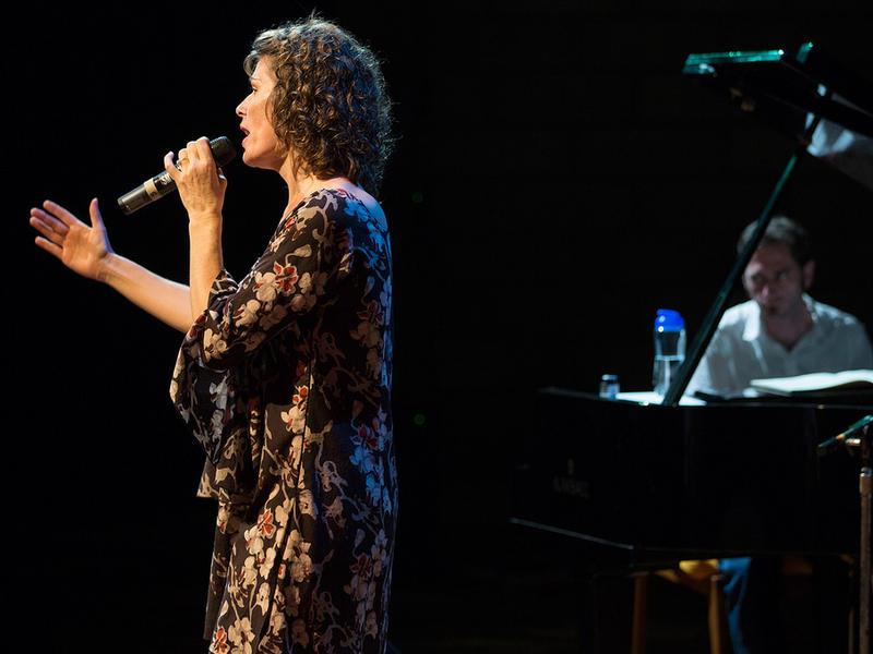 Photographer:Coriolan Weihrauch / miastudio.in | Nuria & Matt on piano