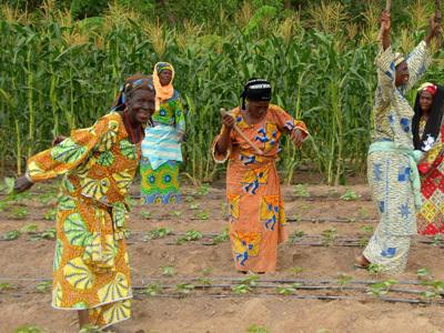 Photographer:web   African Women