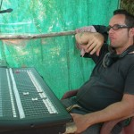 Ruben in front of the mixing desk. He, Bruno and Michael were the sound engineers in charge of the sound.