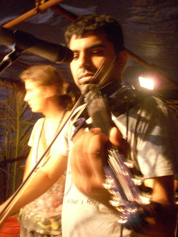 Photographer:Andrea | Karthik Srinivasan - Violin & Vocals