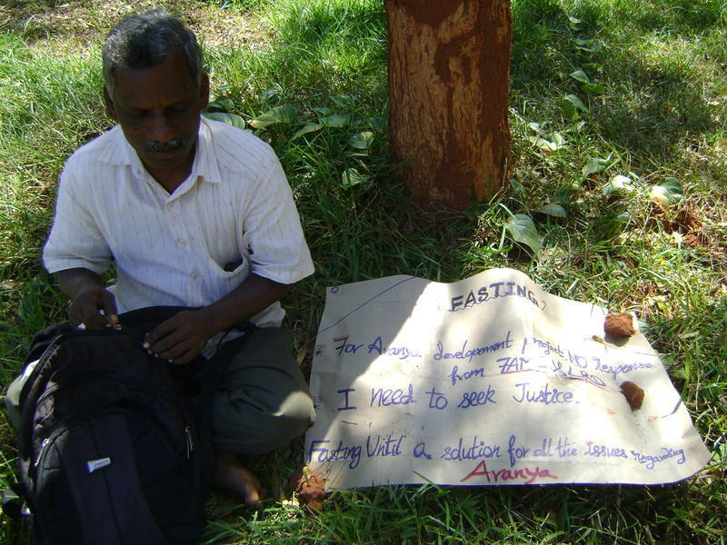 Photographer:Barbara | D. Saravanan fasting in front of Town Hall
