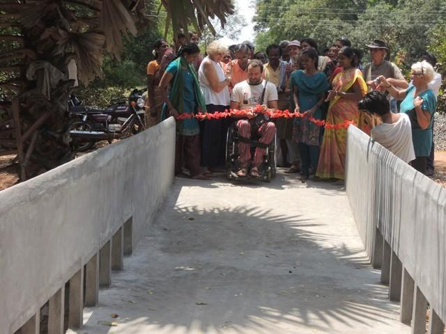 Photographer:Courtesy of Accessible Auroville | Alex and Susmita during the inauguration of the bridge of Life Education Center.