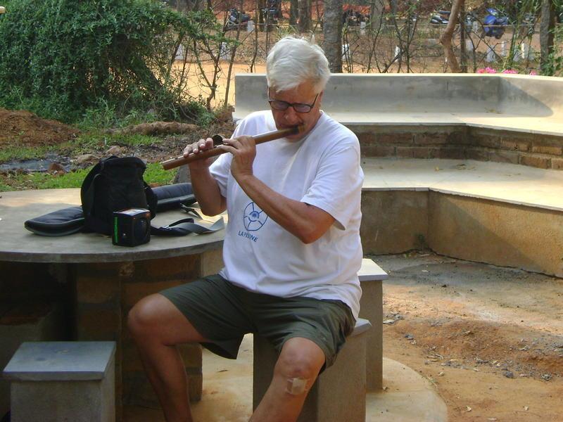Photographer:Herman | Gordon playing flute