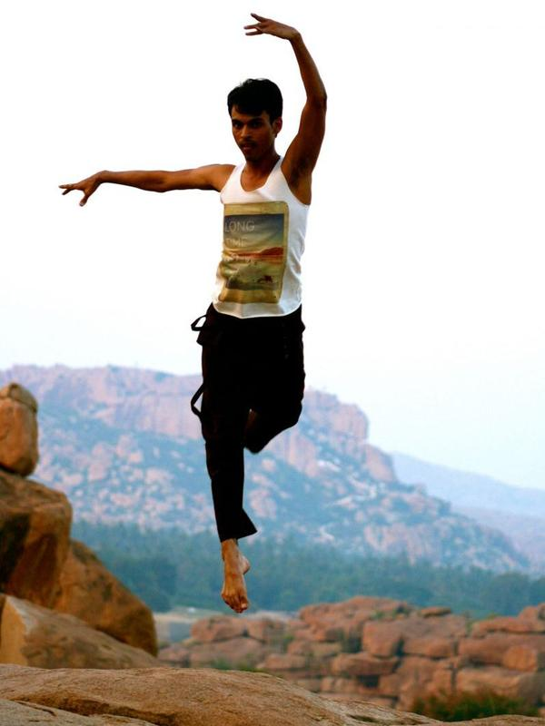 Photographer:web   Swapnil Dagliya - contemporary dance