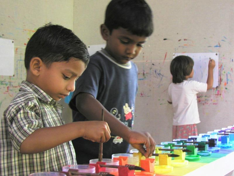Photographer:Courtesy to Sandrine | Les enfants apprennent mieux en jouant.