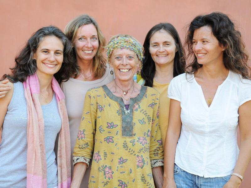 Photographer:Courtesy to Sandrine | L'equipe de Lilaloka, avec, de g. a d.,Yvelise, Aikya, Anna, Veronique et Sandrine.