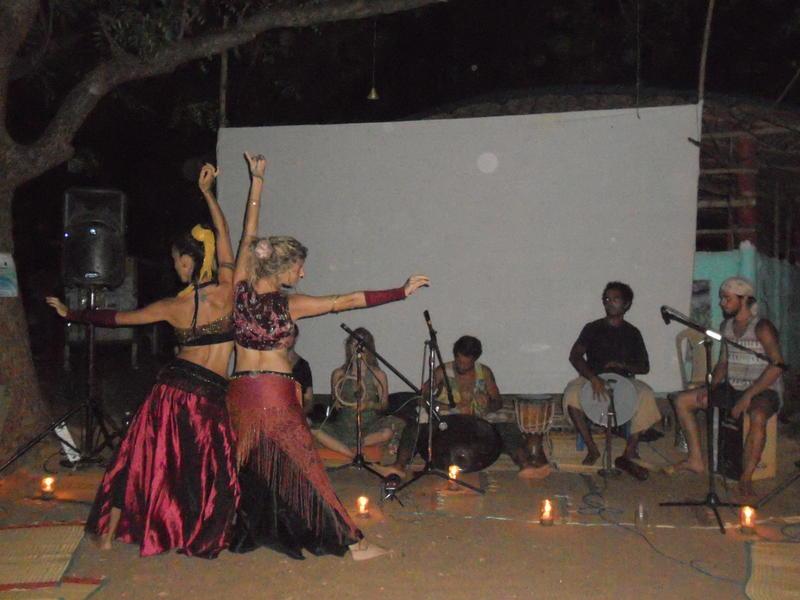 Photographer:Thierry | Yemadas - Ana and Lousie dancing