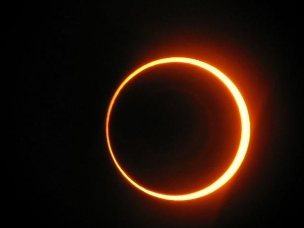 Photographer:web | During annular eclipse the shadow of the moon forms a circular ring around the Sun.