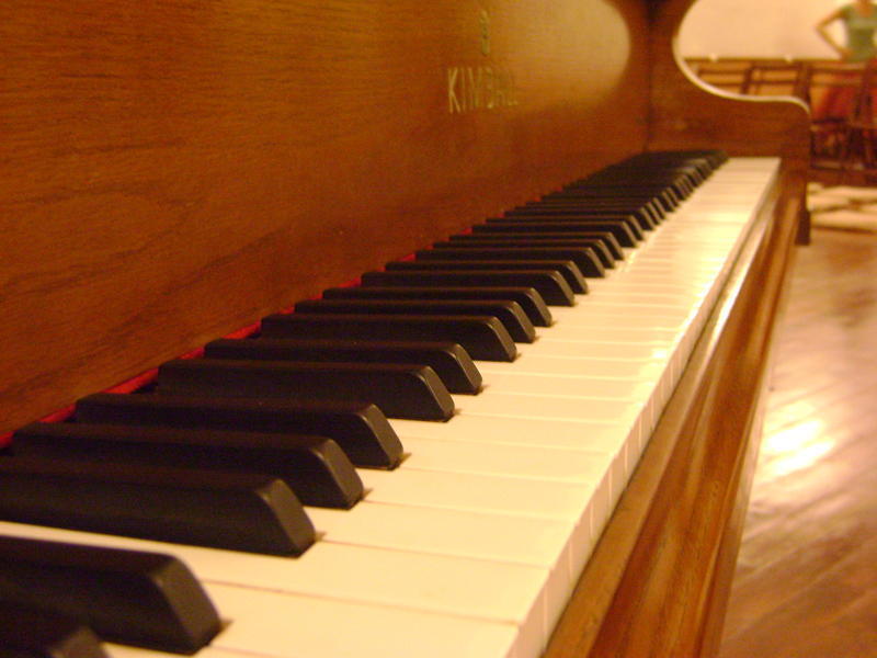Photographer:Nour | piano keyboard