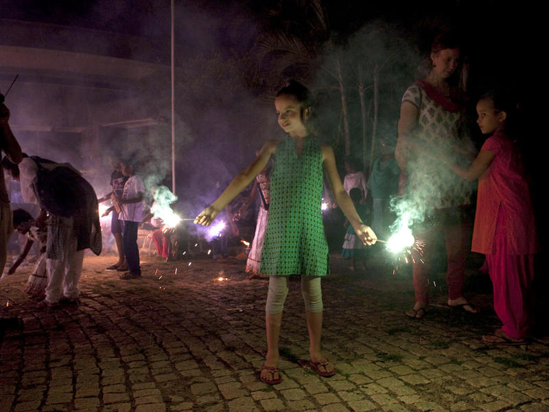 Photographer:Andrea Kunkl | Sana she is use to handle sparklers.