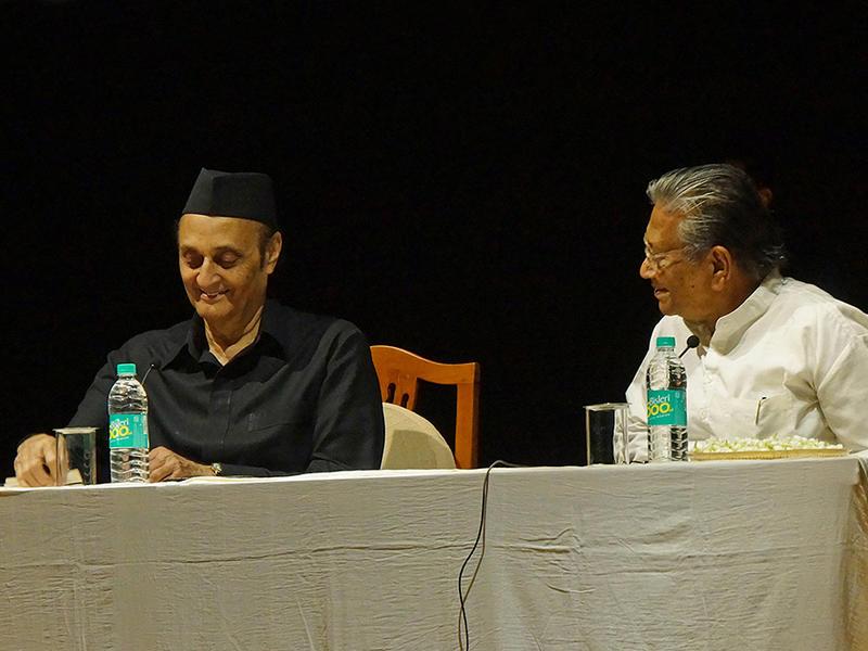 Photographer:Giorgio   Dr. Karan Singh and Prof. Manoj Das