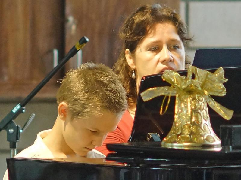 Photographer:Giorgio | Playing piano.