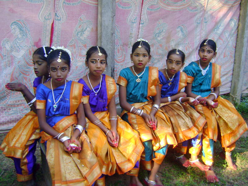 Photographer:Boobalan | 7th grade students waiting to perform Odissi dance on the stage of Udavi school.