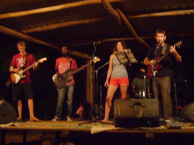 Photographer:Tabitha   Amrit's Rock'n'Roll Band