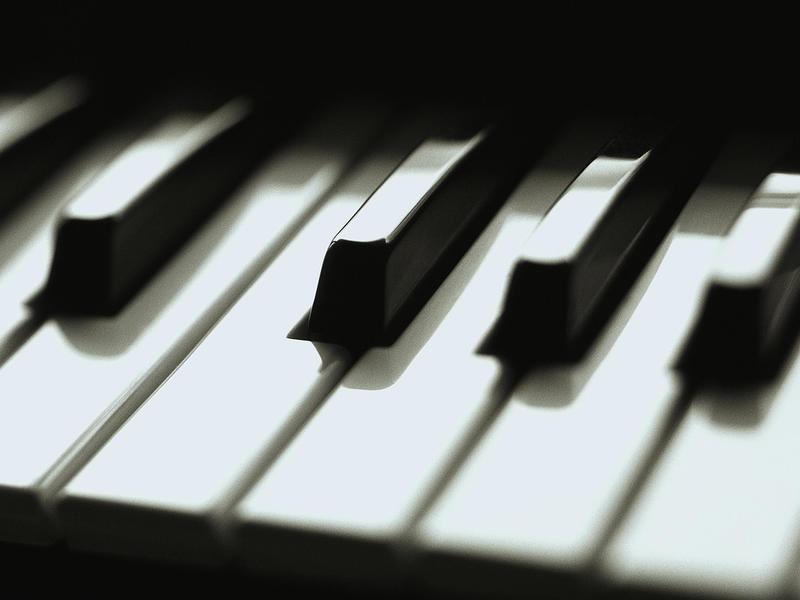 Photographer:web | Piano concert at Ptinaga on Thursday by Hartmut<br />