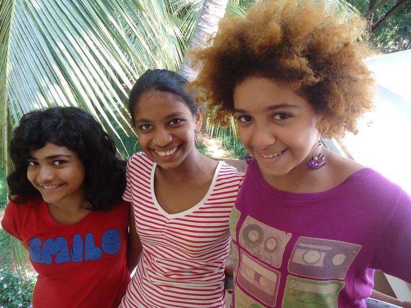 Photographer:Sandrine | Ahilya, Meera and Hannah, Deepanam school